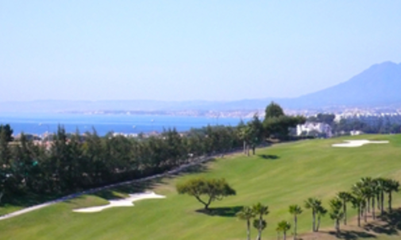 Luxury villa to buy at golf resort in Marbella east 1