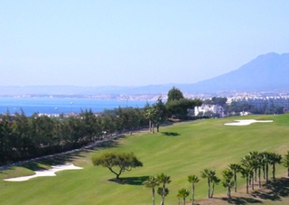 Luxury villa to buy at golf resort in Marbella east