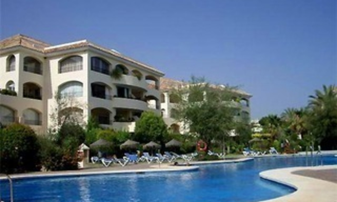 Bargain Beachside luxury apartment for sale in East Marbella, Costa del Sol 0