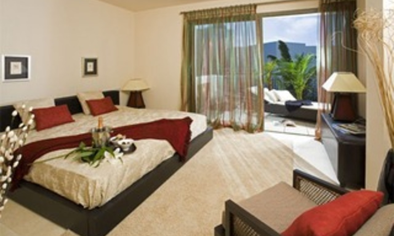 Bargain luxury apartment on 5* golf resort Marbella Benahavis 2