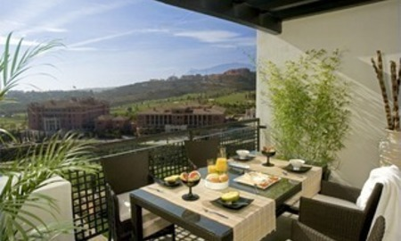 Bargain luxury apartment on 5* golf resort Marbella Benahavis 3