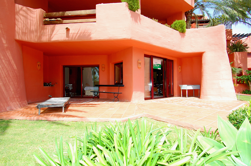 Frontline beach luxury apartment for sale Marbella Estepona 2
