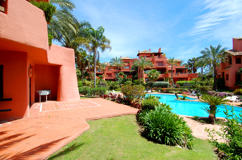 Frontline beach luxury apartment for sale Marbella Estepona 1