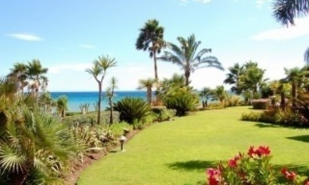 Frontline beach luxury apartment for sale Marbella Estepona 3