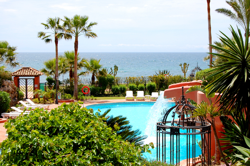 Frontline beach luxury apartment for sale Marbella Estepona