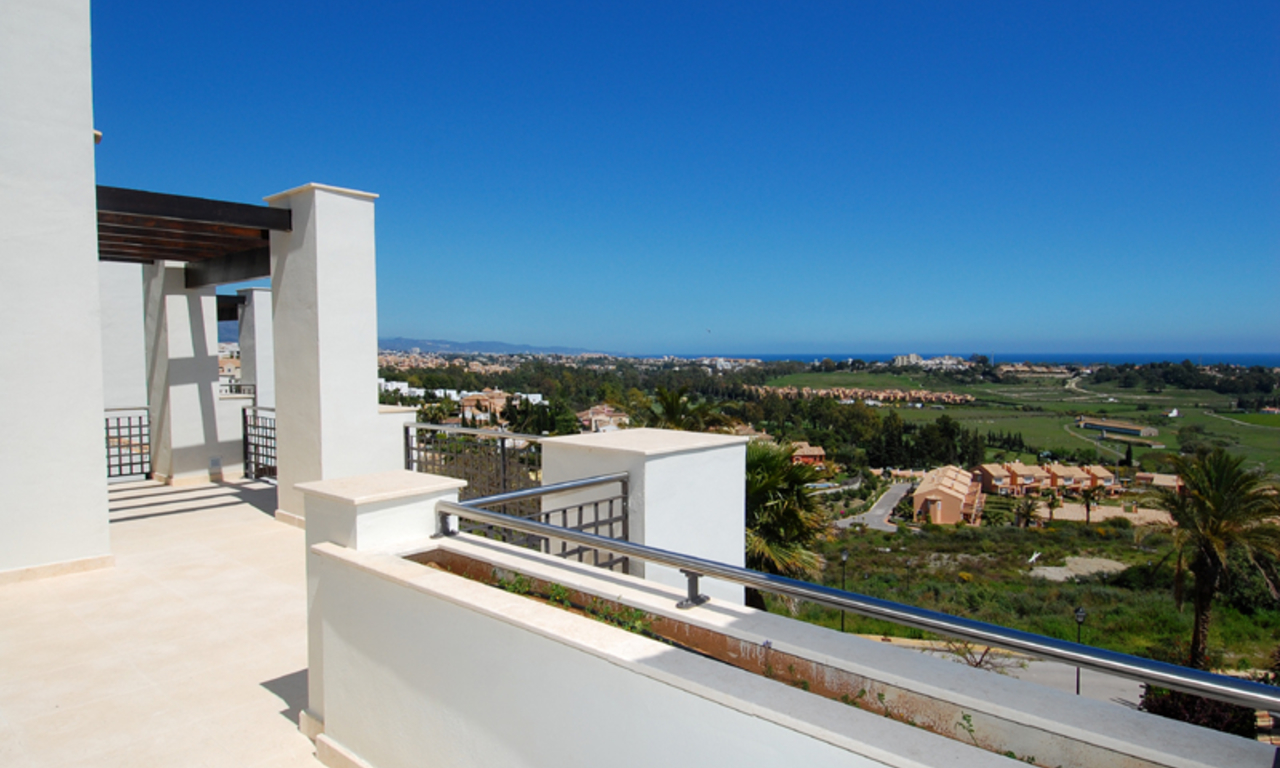Luxury apartments for sale in the area Marbella - Benahavis 3