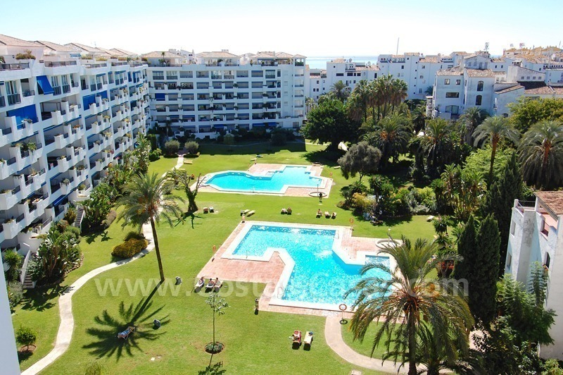 Penthouse apartment for sale in central Puerto Banus, Marbella