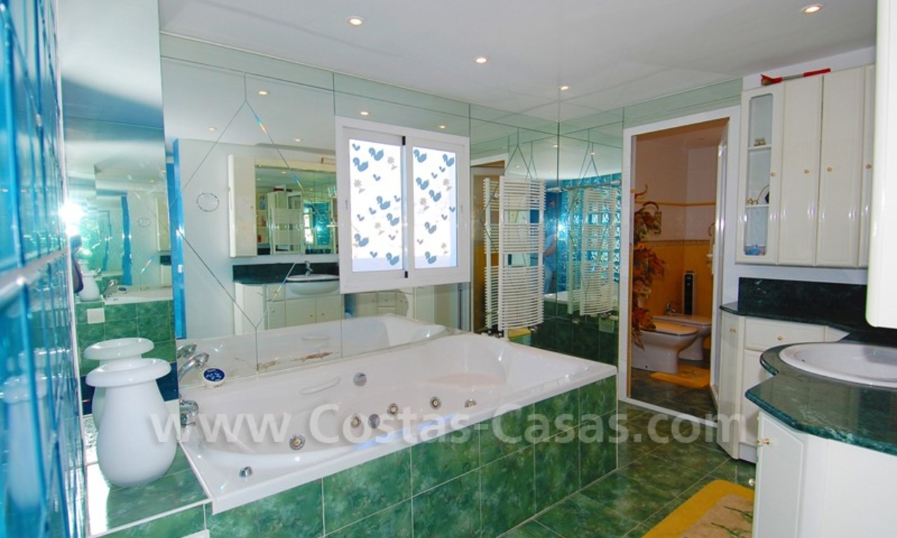 Penthouse apartment for sale in central Puerto Banus, Marbella 12