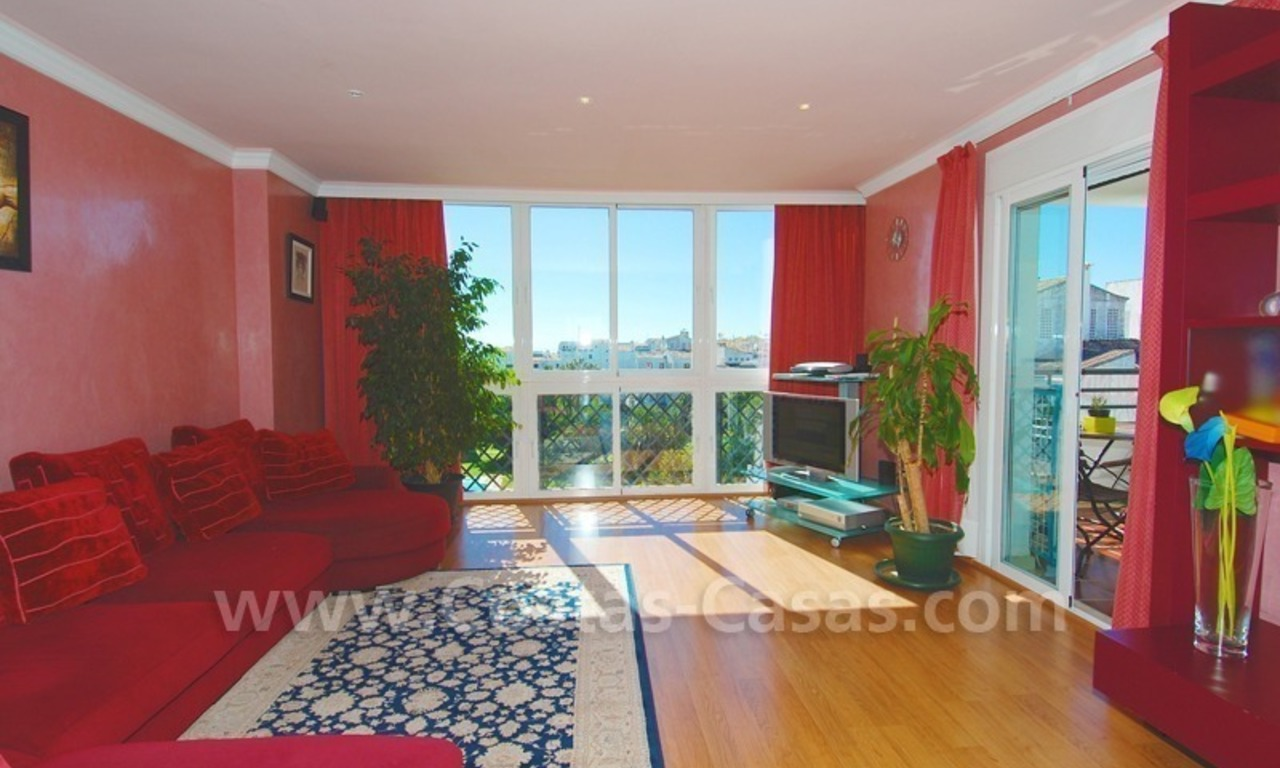 Penthouse apartment for sale in central Puerto Banus, Marbella 6