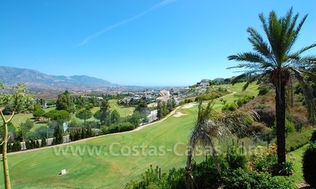 Bargain property for sale on Golf resort in Mijas at the Costa del Sol 9