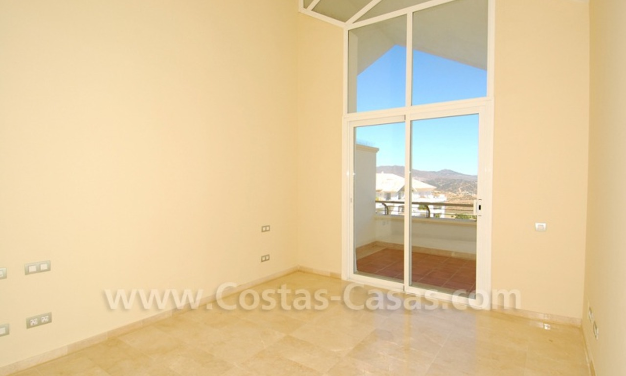 Bargain penthouse apartment for sale on Golf resort in Mijas, Costa del Sol 7