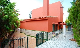 To renovate beachside detached villa for sale in the area of Marbella - Estepona 2
