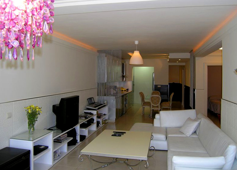 Bargain refurbished apartment for sale in Nueva Andalucia, Marbella