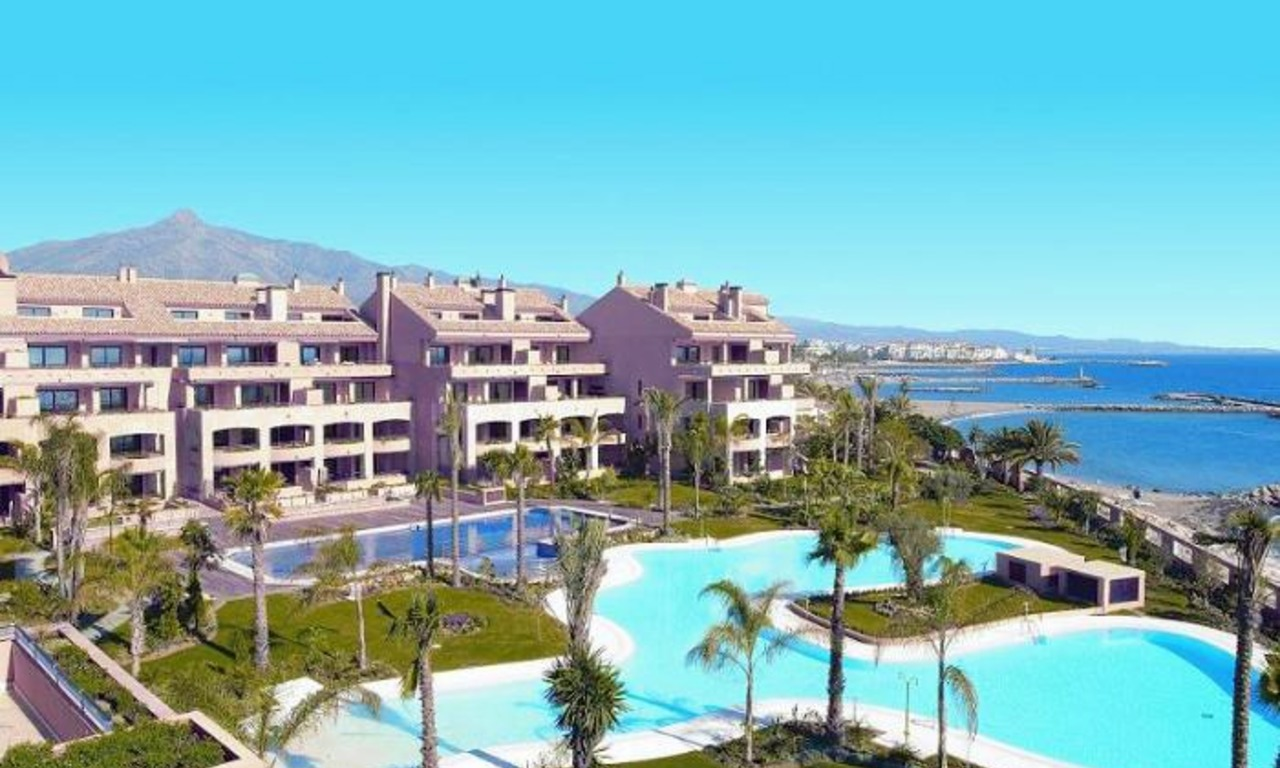 Luxury seafront penthouse for sale in Malibu, Puerto Banus, Marbella 1