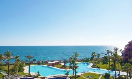 Luxury seafront penthouse for sale in Malibu, Puerto Banus, Marbella