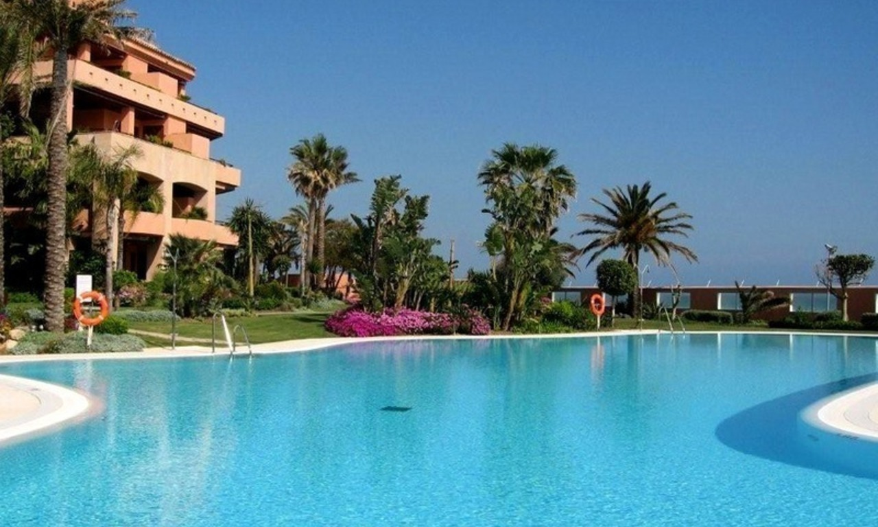 Luxury seafront penthouse for sale in Malibu, Puerto Banus, Marbella 0