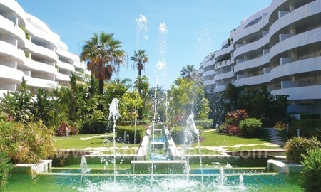 Beachside apartments and penthouses for sale, Puerto Banus - Marbella 1
