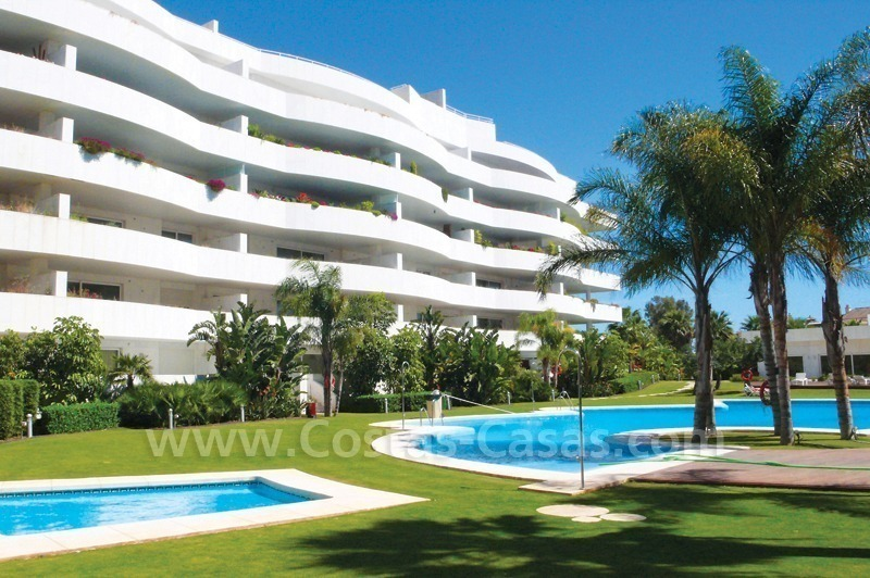 Beachside apartments and penthouses for sale, Puerto Banus - Marbella