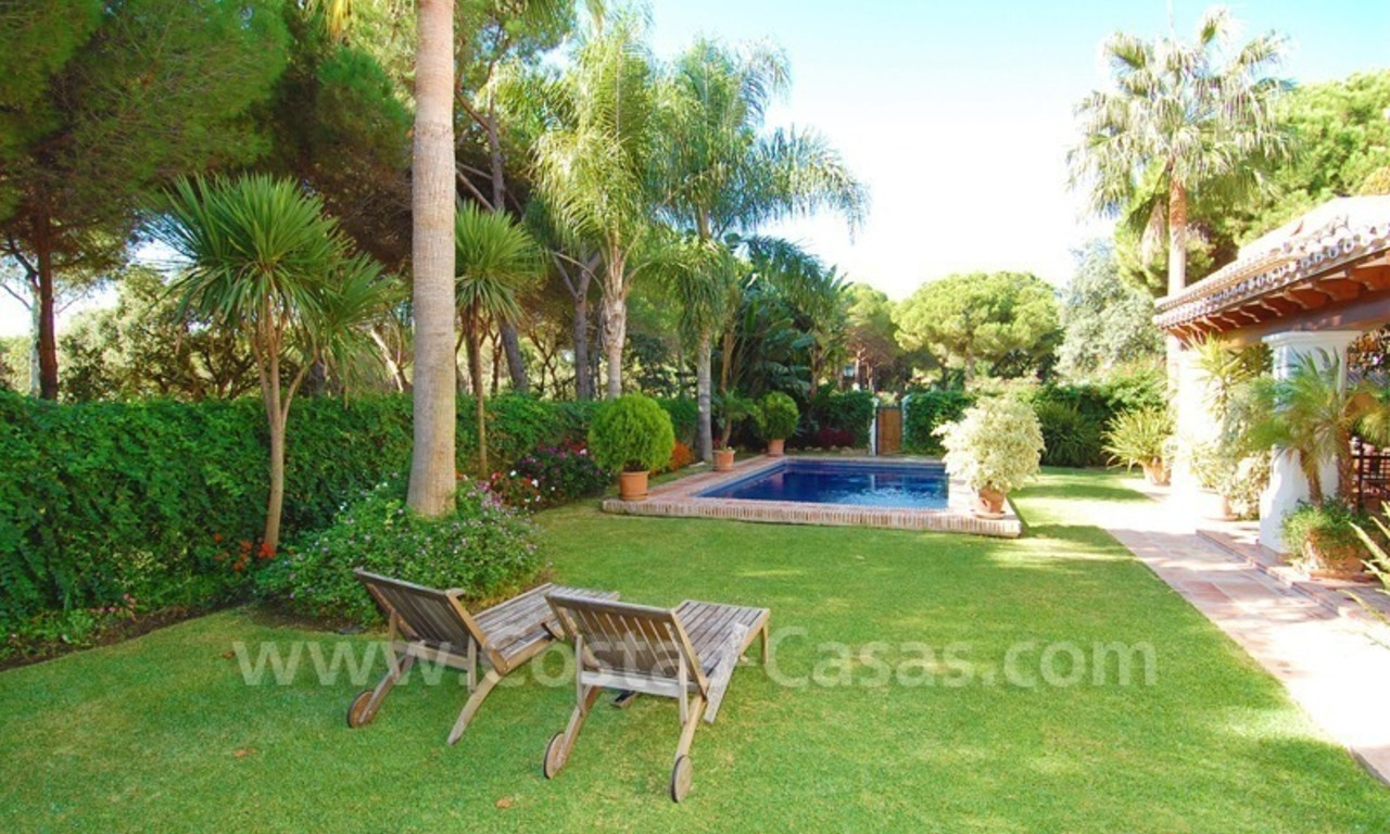 Beachside villa for sale on the New Golden Mile between Marbella and Estepona 3