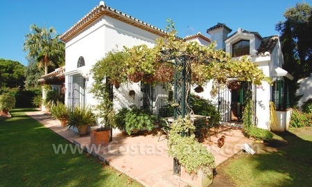 Beachside villa for sale on the New Golden Mile between Marbella and Estepona 19