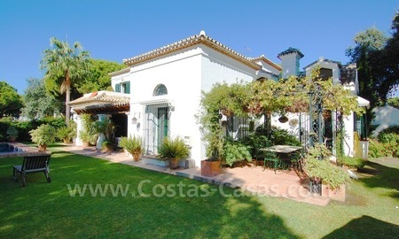 Beachside villa for sale on the New Golden Mile between Marbella and Estepona 4