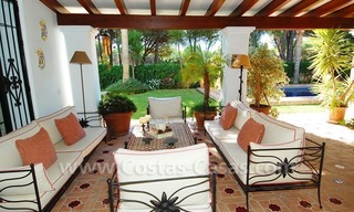 Beachside villa for sale on the New Golden Mile between Marbella and Estepona 14