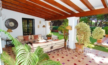 Beachside villa for sale on the New Golden Mile between Marbella and Estepona 17