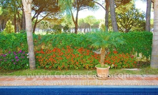 Beachside villa for sale on the New Golden Mile between Marbella and Estepona 5