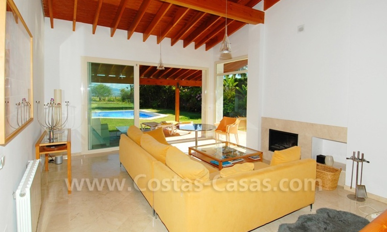 Bargain detached villa for sale in golf area of Marbella – Benahavis 11
