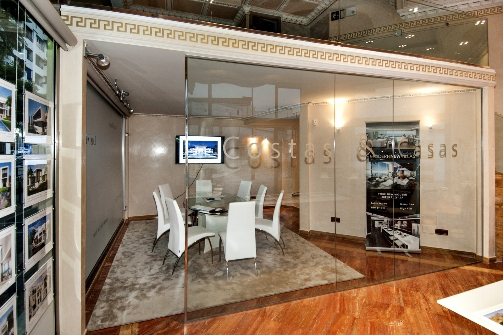 Costas & Casas Marbella Real Estate: our office - showroom