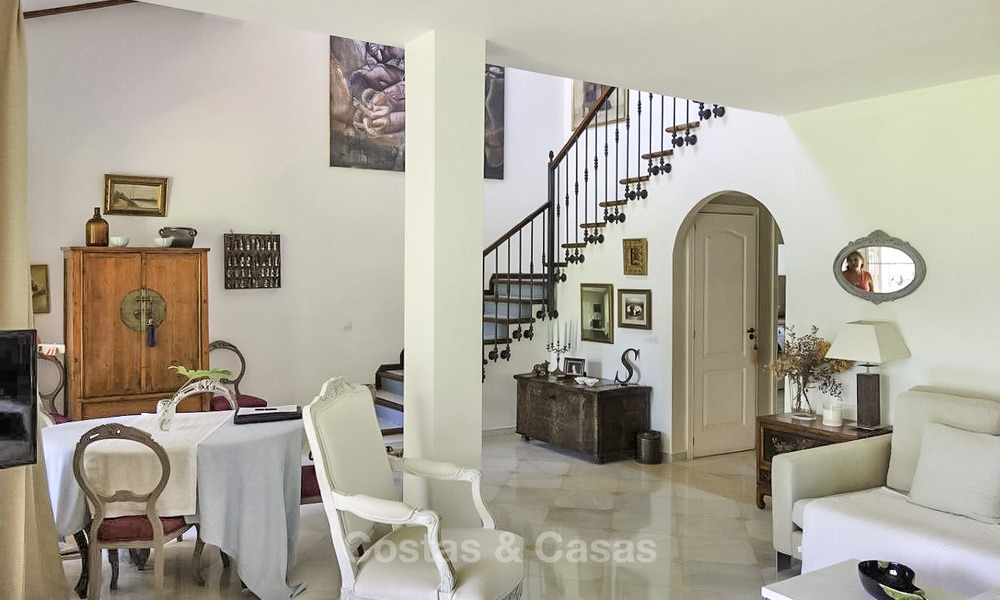 Cozy semi-detached villa for sale on first line golf in Marbella West 14111