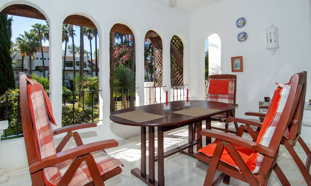 For Sale in Puerto Banús, Marbella: Beachside Apartment Nearby Marina 29822