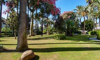 For Sale in Puerto Banús, Marbella: Beachside Apartment Nearby Marina 29824
