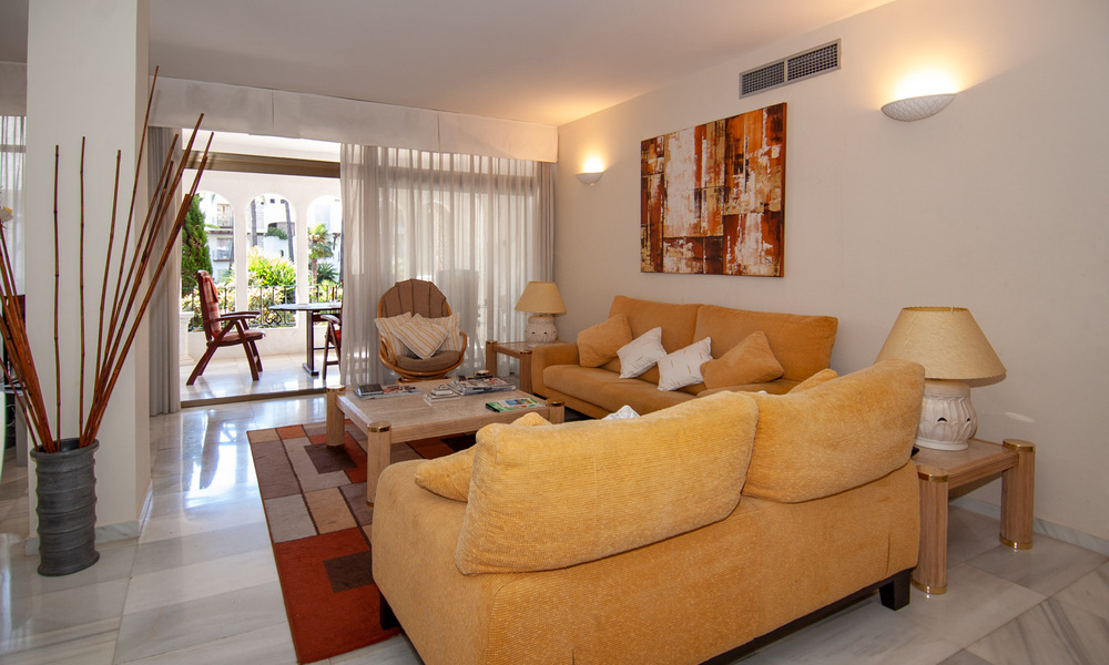 For Sale in Puerto Banús, Marbella: Beachside Apartment Nearby Marina 29837