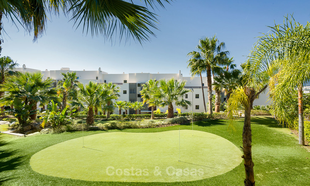 Modern Apartments for sale at 5-Star Golf Resort, New Golden Mile, Marbella - Benahavís. Last units, up to 36% off! 17878