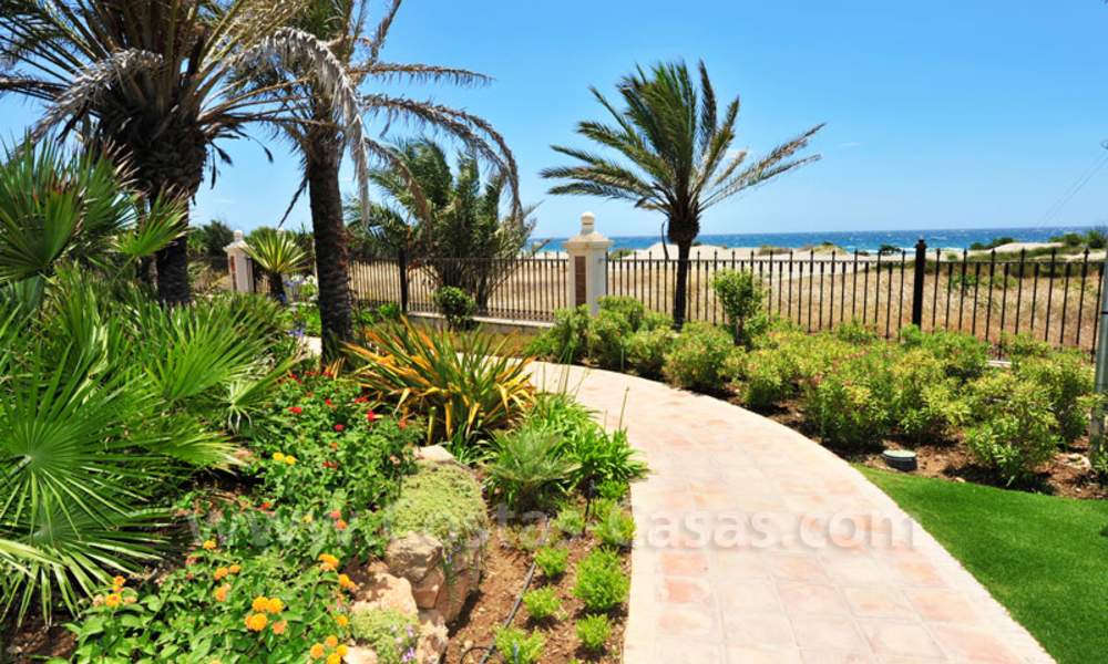 Opportunity! Urgent sale! Exclusive First-Line beach apartment for sale in Marbella 8412