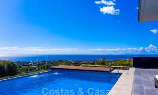 Move in ready! Modern villa for sale with stunning open sea views just east of Marbella centre 32701