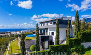 Move in ready! Modern villa for sale with stunning open sea views just east of Marbella centre 32703
