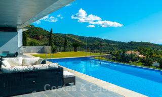 Move in ready! Modern villa for sale with stunning open sea views just east of Marbella centre 32716
