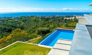 Move in ready! Modern villa for sale with stunning open sea views just east of Marbella centre 32726