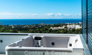 Move in ready! Modern villa for sale with stunning open sea views just east of Marbella centre 32730