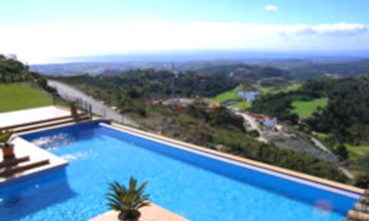 Exclusive villa for sale - Gated resort - Marbella / Benahavis 1