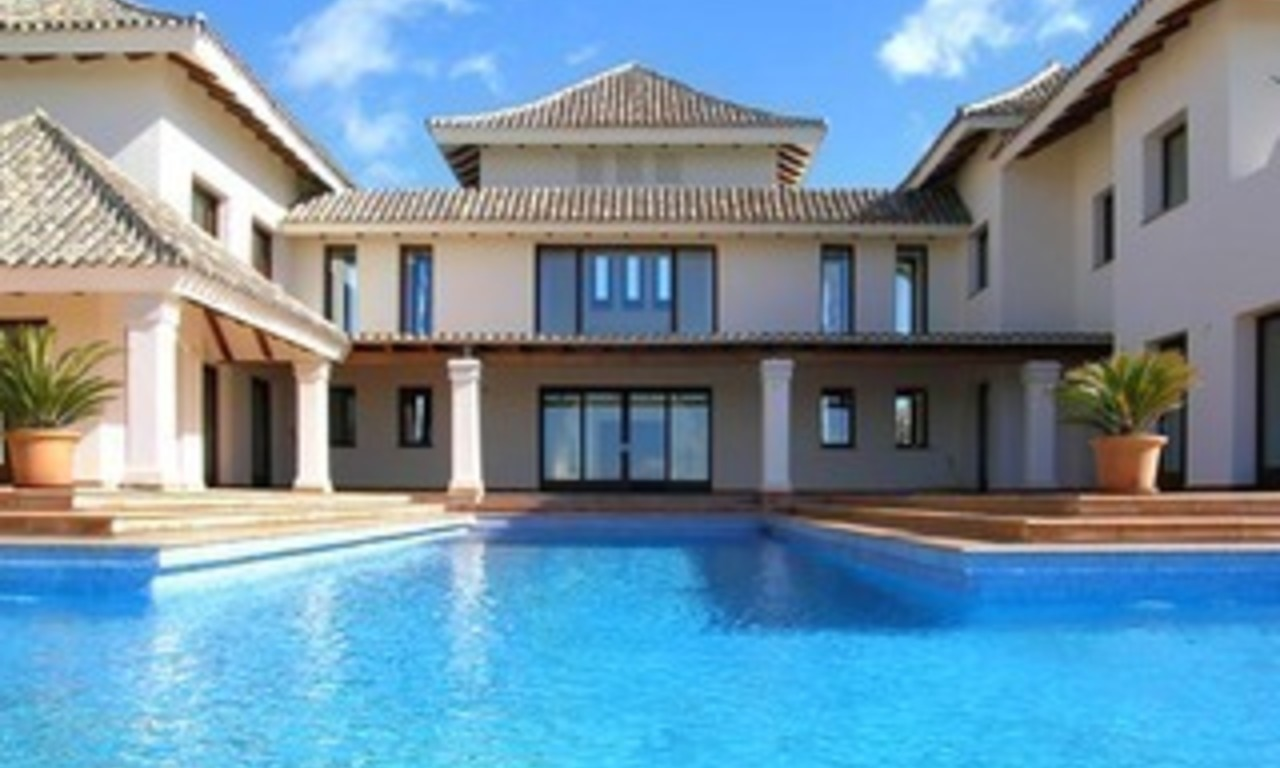Exclusive villa for sale - Gated resort - Marbella / Benahavis 2
