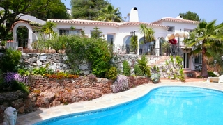 Villa property for sale at walking distance of the village Mijas Pueblo, Costa del Sol 0