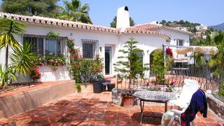 a503b7dd6e4 Villa property for sale at walking distance of the village Mijas Pueblo