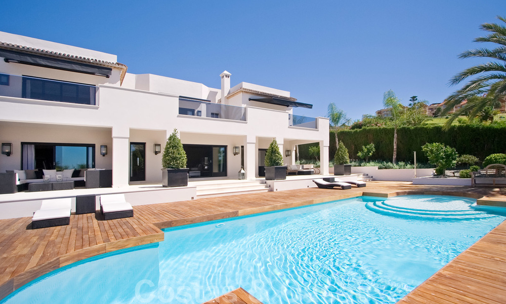 Impressive contemporary luxury villa with guest apartment for sale in the Golf Valley of Nueva Andalucia, Marbella 22593