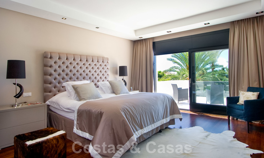 Impressive contemporary luxury villa with guest apartment for sale in the Golf Valley of Nueva Andalucia, Marbella 22595