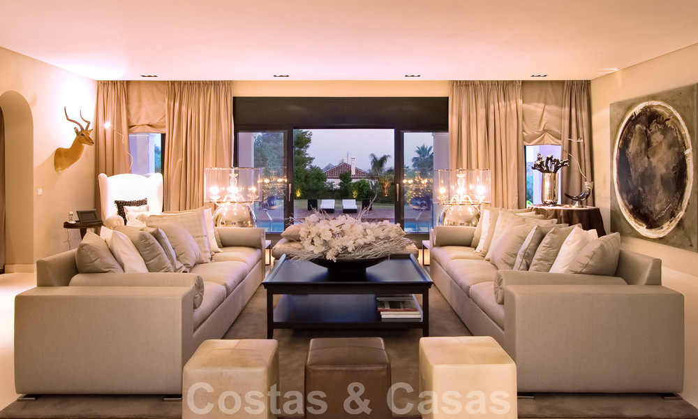 Impressive contemporary luxury villa with guest apartment for sale in the Golf Valley of Nueva Andalucia, Marbella 22601