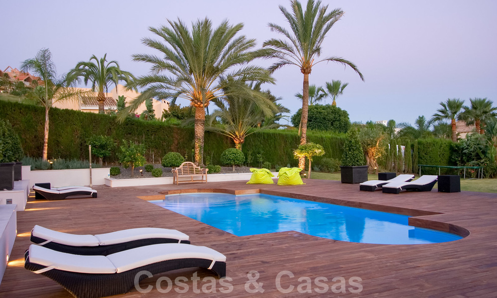 Impressive contemporary luxury villa with guest apartment for sale in the Golf Valley of Nueva Andalucia, Marbella 22602