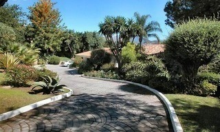 Spacious luxurious villa for sale, at the centre of the Golf valley Nueva Andalucia at Marbella 4